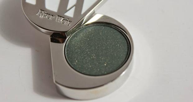 Kjaer-Weis-Green-Depth-Eye-Shadow-b