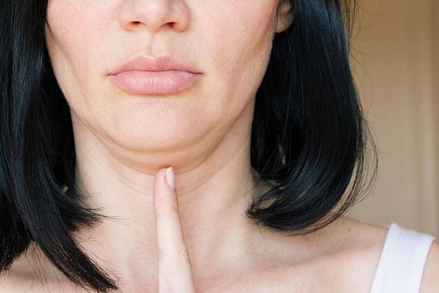 Kako da zategnete bradu i riješite se ružnog podbratka